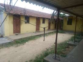 persons need of land with building in Kaniyur tollgate can contact