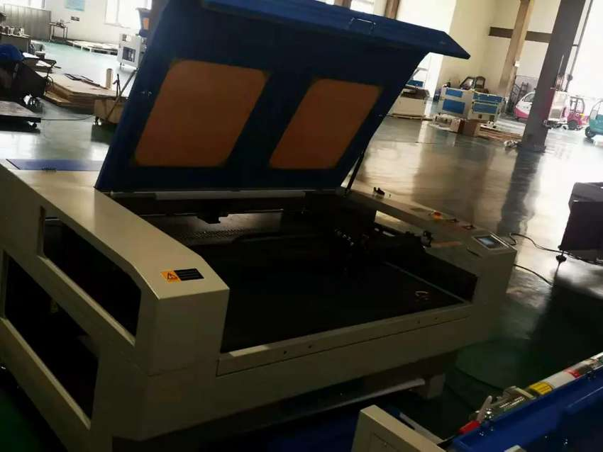 Laser cutting Machine with Reci tubes