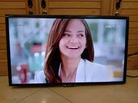 "TV LED Sharp 24"" Fullset Like New"