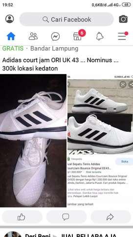 Sepatu cowok bermerk