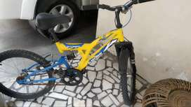 KROSS STROM  DS 20 INCH CYCLE COST OF NEW CYCLE IS 5000₹