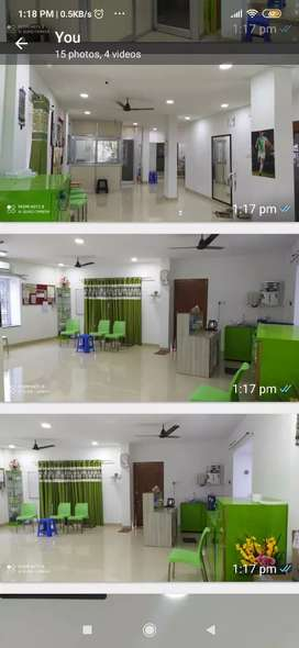 Renting office space nearby market area