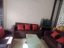 7-seater well furnished sofa set with beautiful table!