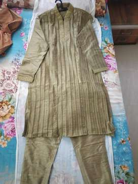Long Greenish gold Kurta Pyjama - size 42