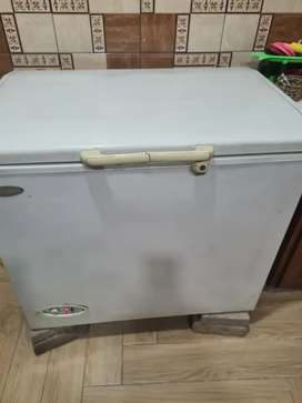 waves  deep  freezer for۔  sale