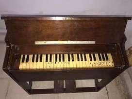 PIANO / ORGAN Antik /Langkah / Kolektabel tahun 1960