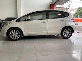Honda Jazz type S Putih 2011