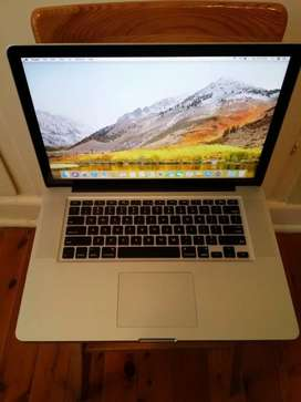 Macbook Pro Core i5 / 256 SSD