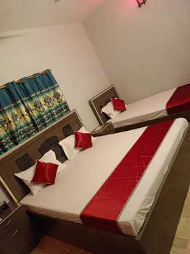 VIP rooms available for family guest house and shot stay in Karachi