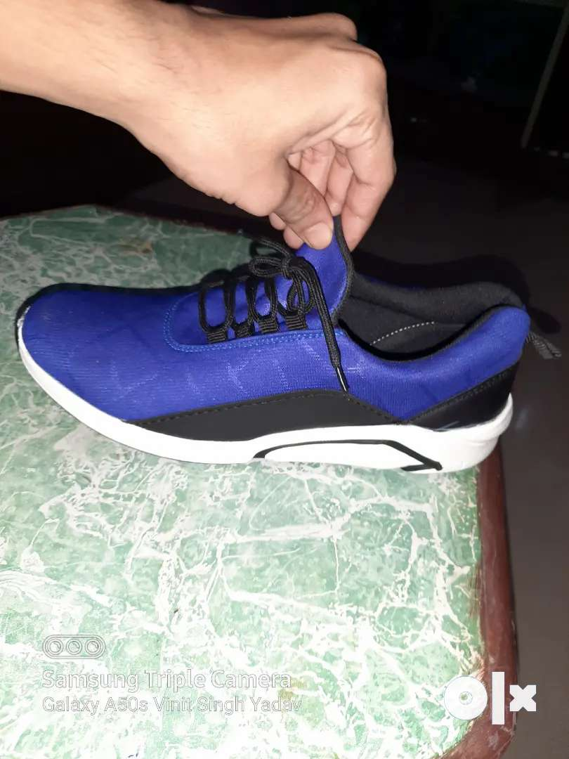 Sports shoes 0