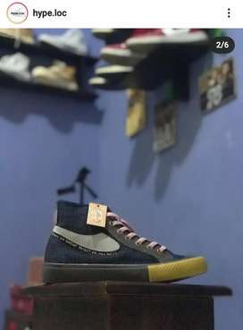 Campess X isser NEW size 40