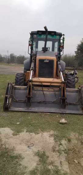 Urgent sell of excavator for more details please leave me a message