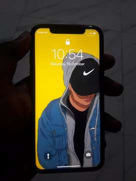 I phone xr 64 gb 4 months old