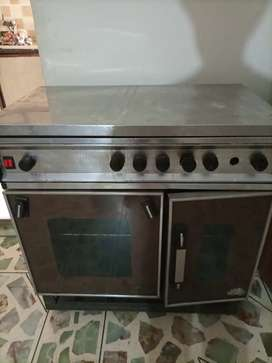 Kitchen oven