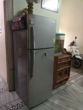 Good condition LG REFRIGRATOR 4star double door