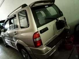 Suzuki Escudo 2.0 th 2005 juwal cepat