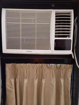 2.5 years old Hitachi 1 ton Window AC