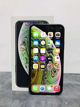 iphone XS 256gb grey colour  BH 85%