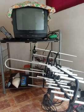 TV tabung Philips 21' + anthena + rak tv dl