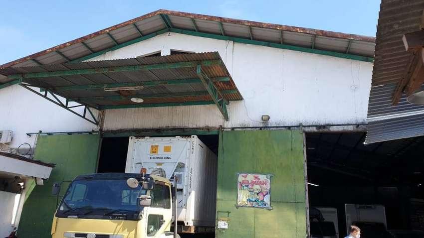 Gudang  di jalan Raya Tanjungsari Bangunan konstruksi WF