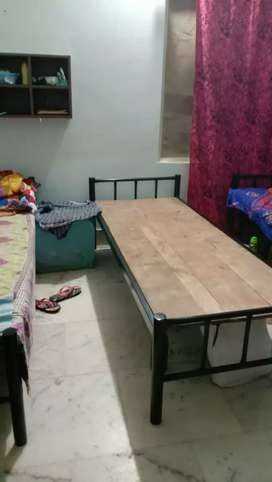 Ladies Hostel & room at Jaydev vihar Prime location with good timing.