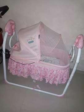 tempat tidur bayi babyelle ayunan bayi elektrik
