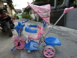 Sepeda Dorong merk Family