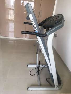 Treadmill motorised foldable