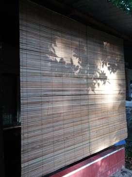 Tirai rotan dan tirai bambu