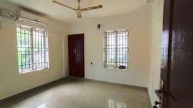3 BHK Spacious Apartment For Rent At Kowdiar Kuravankonam Road 14000/M