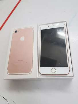 Rose gold colour ma iPhone 7 128gb with bill box and all accessories