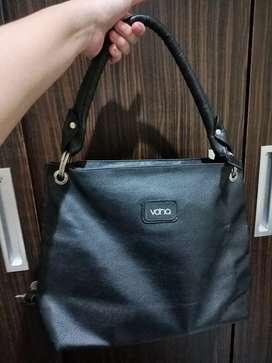 Hand bag/ Shoulder Bag (preloved)