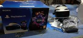PS4 VR  WITH MOTION CONTROLLER AND RE 7 VR(READ DESCRIPTION)