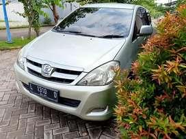 Dijual Toyota Kijang Innova 2005 Matic