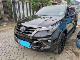 Toyota Fortuner 2019 Sudah kick sensor,velg hitam
