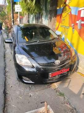 Toyota Vios Limo plat B hitam
