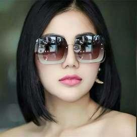 Kacamata / Sunglass Wanita Miu Miu M554 Super