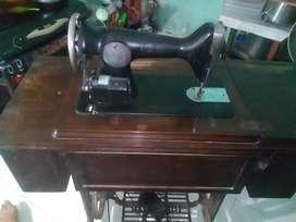 Jual mesin jahit singer model lama Rp 1000000 nego