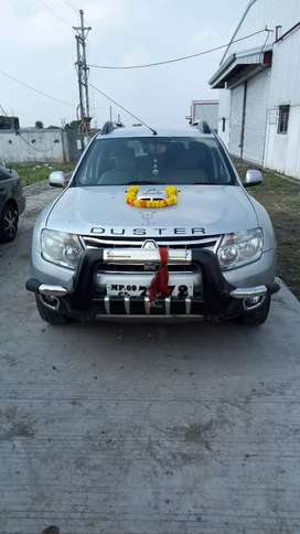Urgent sell Renault Duster RXZ 110 ps diesel 2012 year