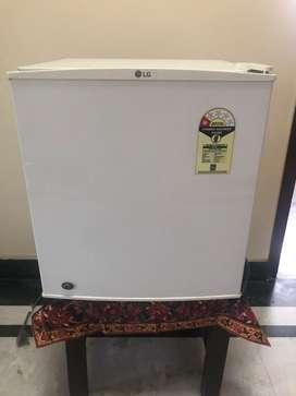 White Refrigerator LG 5 Star 45 Ltrs