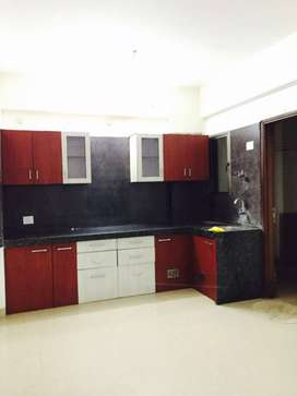 To Let 2bhk flat in Apollo DB City with Modular kitchen covered campus