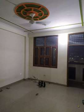 3 bhk semi furnished flats available in hindon vihar society sector 49