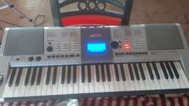 Brand new Synthesizer