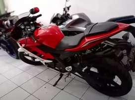 Yamaha R15 warna merah - Putih  (Nego)