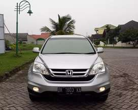 Honda CRV 2.0 A/T 2010 Silver mind condition.
