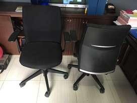 Kursi kantor bekas