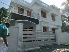 4 bhk 2000 sqft 4.3 cent new build at varapuzha near puthanpally