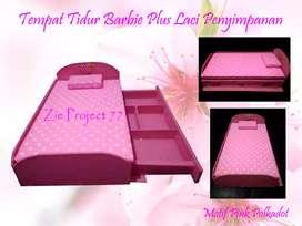 Tempat tidur boneka Barbie model Sorong double kasur plus laci murah