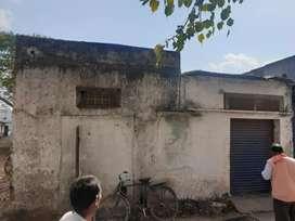 Ujjain me agar road par udhyogpuri Mayapuri me godaun rent se Dena hai