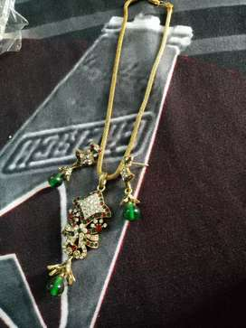 Green nd red stone  pendent set